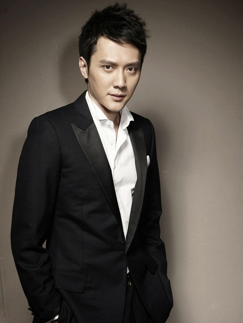 冯绍峰出演《梦幻诛仙2》 挑战琴师弓手两大角色